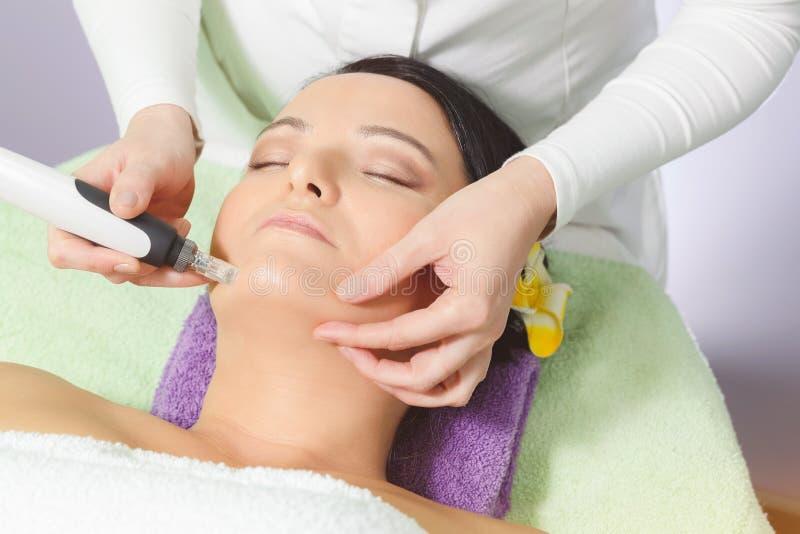 Mesotherapy, anti trattamento di invecchiamento fotografie stock