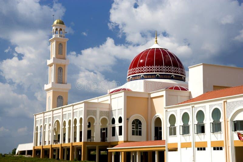 Mesquita abobadada vermelha fotos de stock