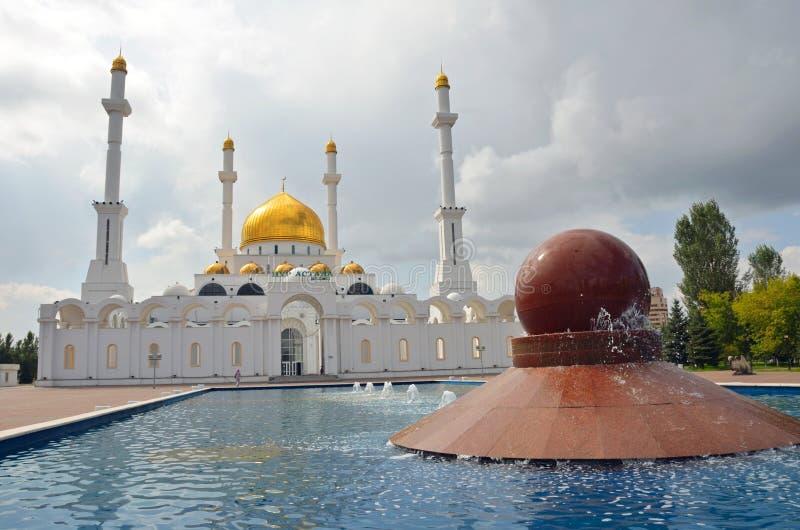 Mesquita Astana de Nur imagens de stock
