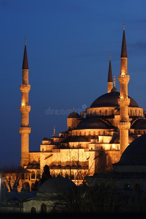 Mesquita azul na noite fotografia de stock royalty free