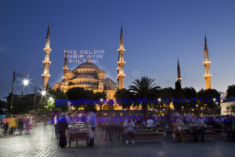 Mesquita azul, Sultanahmet Camii, na noite em Istambul, Turquia, 2014 imagem de stock royalty free