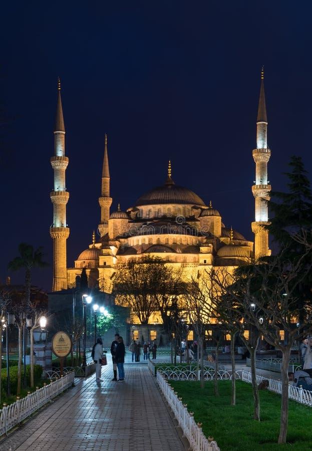 Mesquita azul Sultanahmet Camii na noite, Istambul, Turquia foto de stock