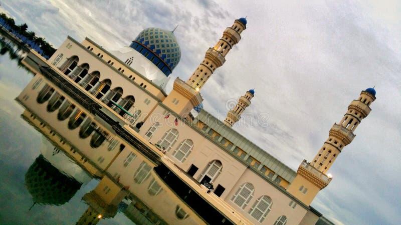 Mesquita da cidade de Kota Kinabalu imagens de stock