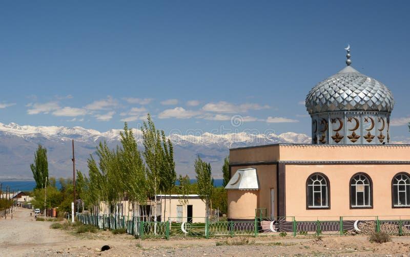 A mesquita da vila de Kara-Shaar Costa do sul de Issyk-Kul kyrgyzstan imagens de stock