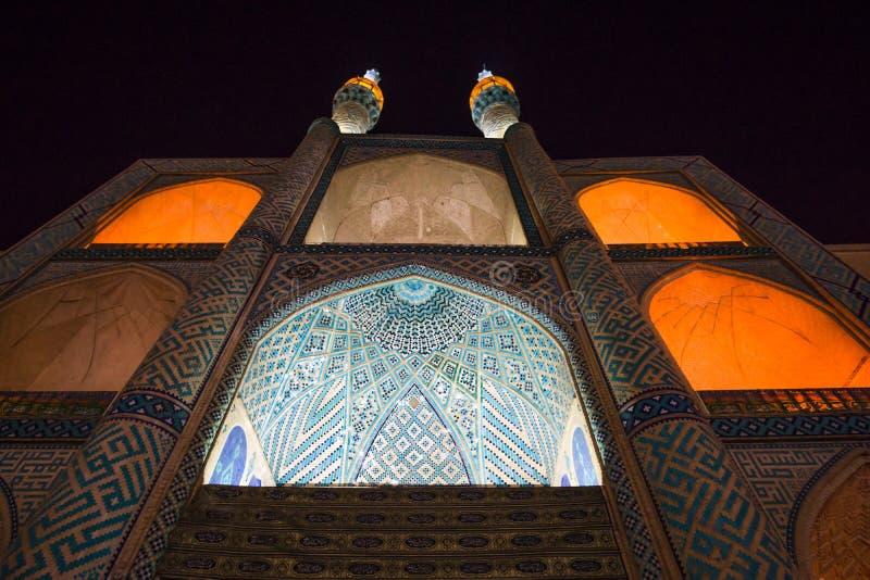 Mesquita de Amir Chakmak em Yazd na noite - Irã imagens de stock