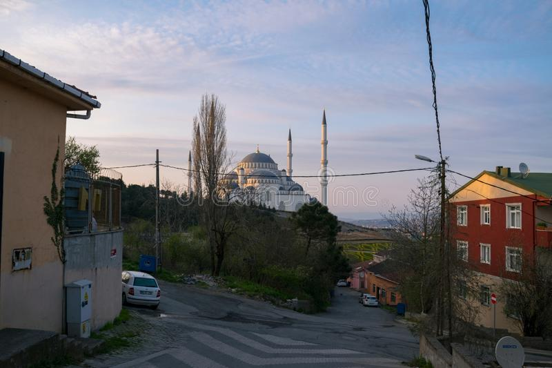 """Mesquita de Camlica dos ângulos diferentes Foto tomada o 29 de março de 2019, '°stanbul de Ã""""Ã, Turquia fotografia de stock royalty free"""