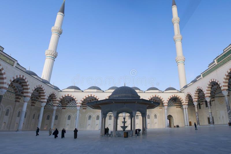 A mesquita de Camlica tem a distinção de ser a mesquita a maior em Turquia Foto tomada o 29 de março de 2019, Istambul, Turquia fotos de stock