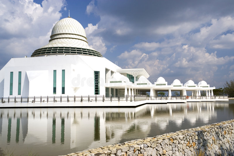 Mesquita de flutuação branca moderna fotografia de stock