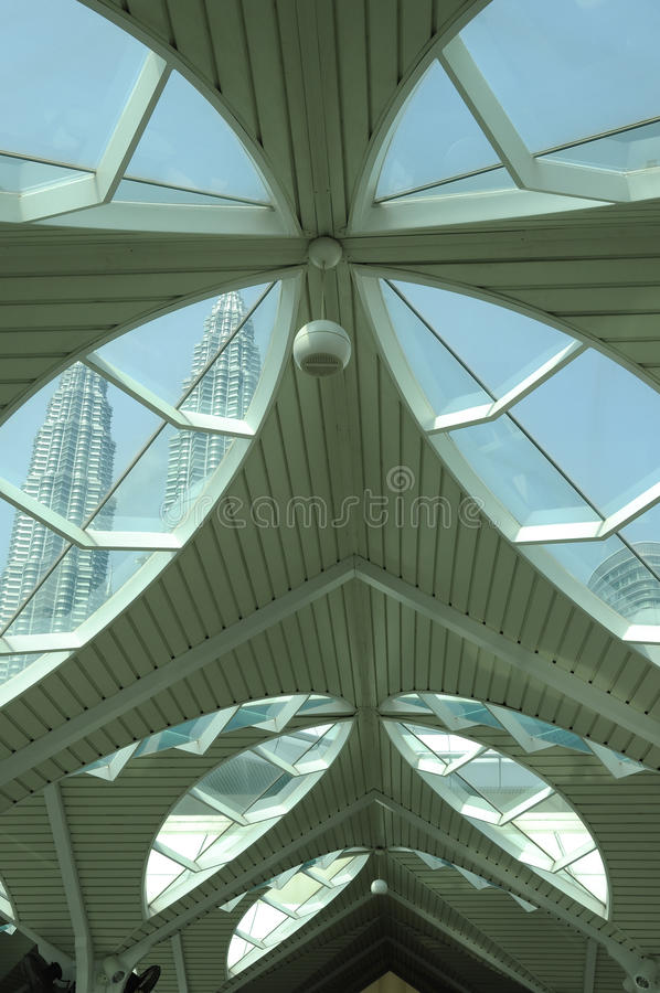 Mesquita de KLCC ou como-Syakirin a mesquita em Kuala Lumpur foto de stock royalty free