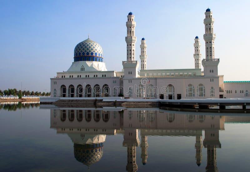 Mesquita de Malaysia Bornéu Kota Kinabalu Likas imagem de stock royalty free