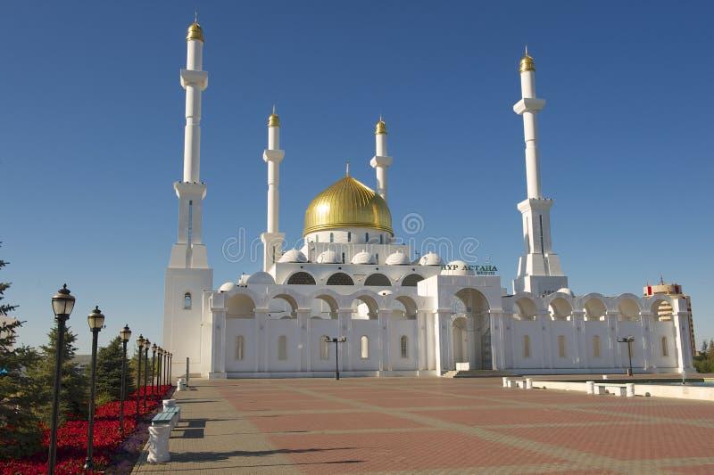 Mesquita de Nur Astana exterior em Astana, Cazaquistão fotos de stock royalty free