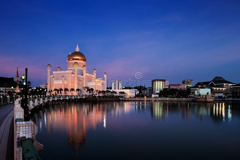 Mesquita de Omar Ali Saifuddien da sultão em Brunei foto de stock royalty free