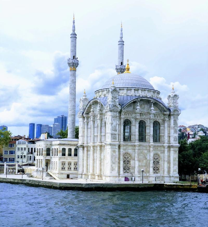Mesquita de Ortakoy e ponte de Bosphorus, Istambul, Turquia imagens de stock