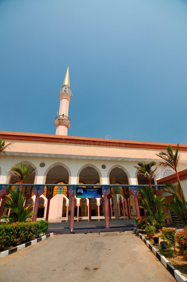 Mesquita de Putra Nilai em Nilai, Negeri Sembilan, Malásia imagem de stock royalty free