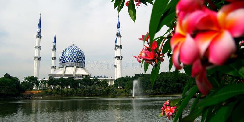 Mesquita de Salahuddin Abdul Aziz Shah da sultão imagem de stock royalty free