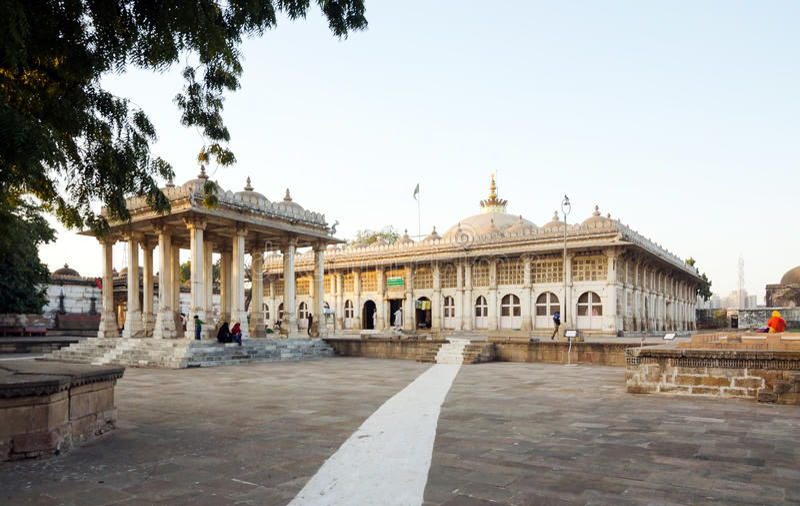 Mesquita de Sarkhej Roza em Ahmedabad fotos de stock royalty free