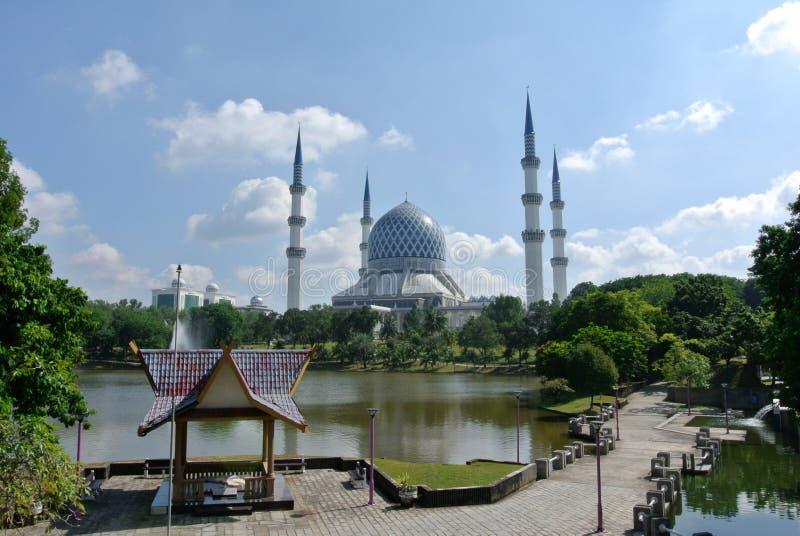 Mesquita a de Sultan Salahuddin Abdul Aziz Shah K um xá Alam Mosque imagem de stock