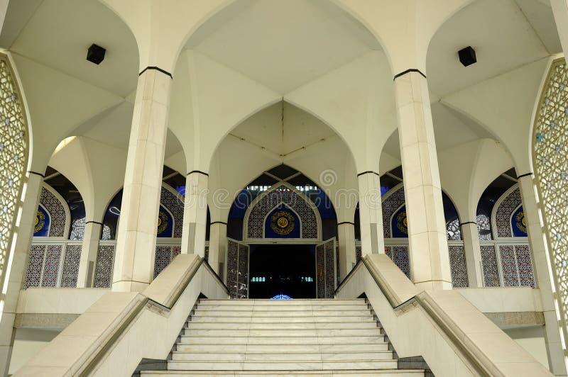 Mesquita a de Sultan Salahuddin Abdul Aziz Shah K um xá Alam Mosque foto de stock royalty free