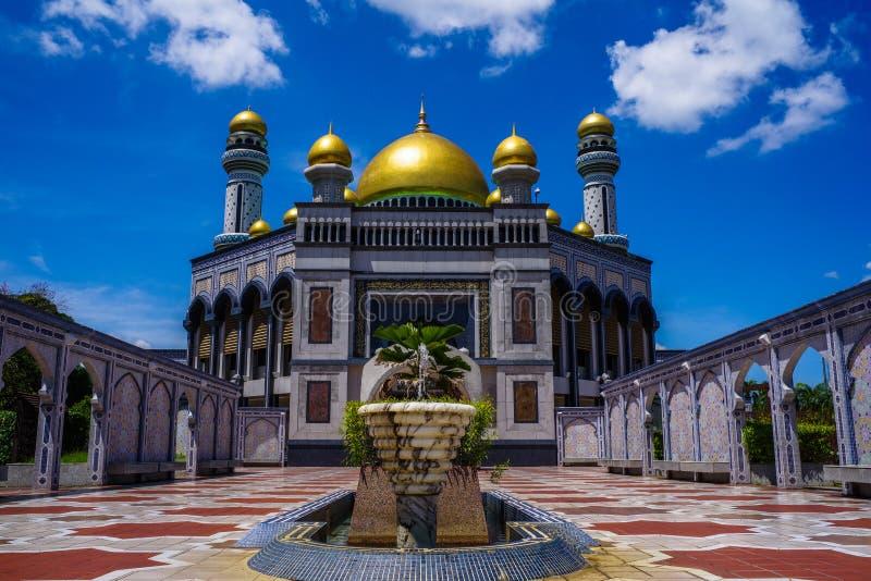 Mesquita do radar de fiscalização aérea Hassanil Bolkiah do ` de Jame, Brunei Darussalam fotos de stock