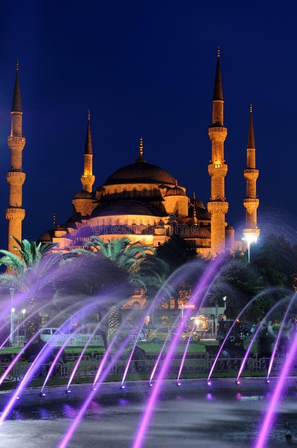 Mesquita e fonte azuis fotografia de stock