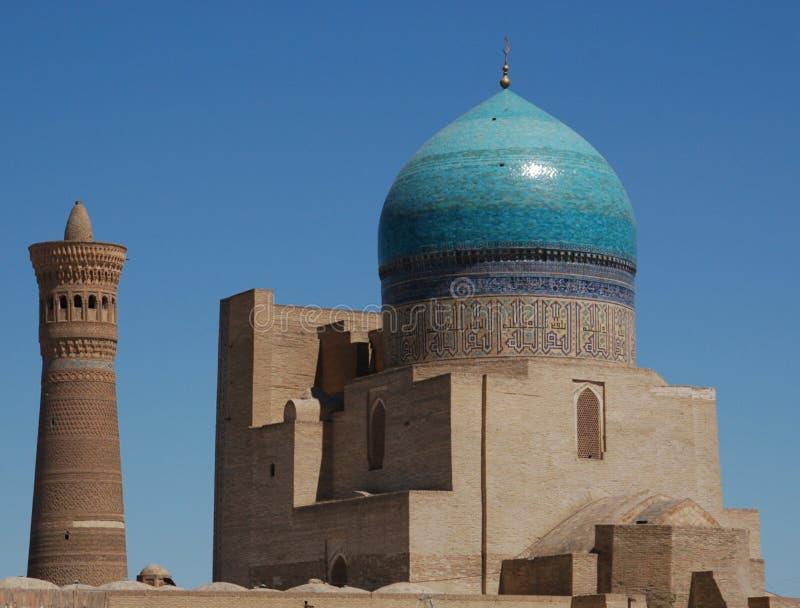 Mesquita e minarete de Buchara Kalon fotografia de stock