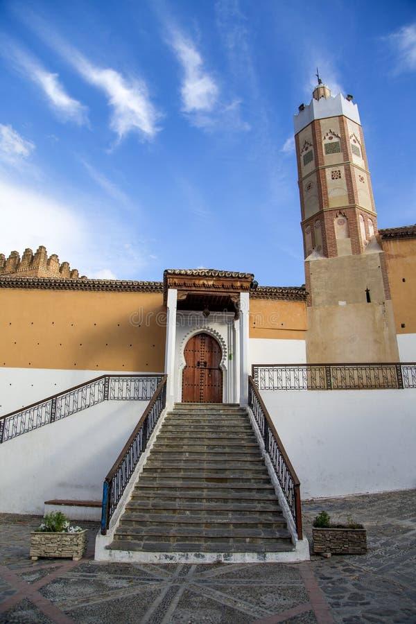 Mesquita grande em Chefchaouen, Marrocos imagens de stock