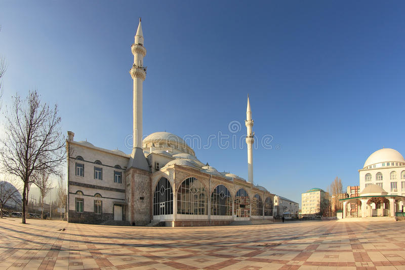 A mesquita grande em Makhachkala (Yusuf Bei Cami) imagem de stock royalty free