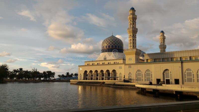 Mesquita Kota Kinabalu Sabah Borneo Malaysia de Likas imagem de stock royalty free