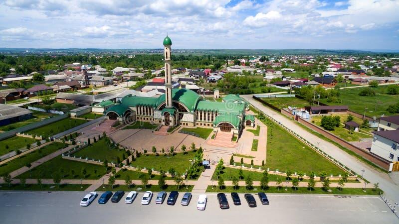 A mesquita na vila de Alkhan-Yurt República chechena russ fotografia de stock