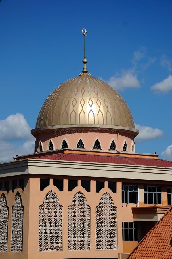 A mesquita nova de Masjid Jamek Jamiul Ehsan a K um Masjid Setapak fotografia de stock