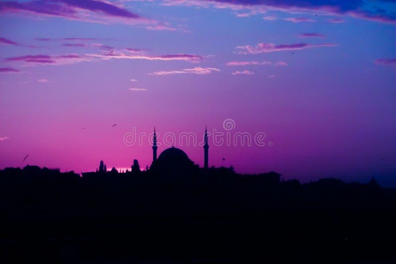 Mesquita turca em Istambul no por do sol foto de stock royalty free