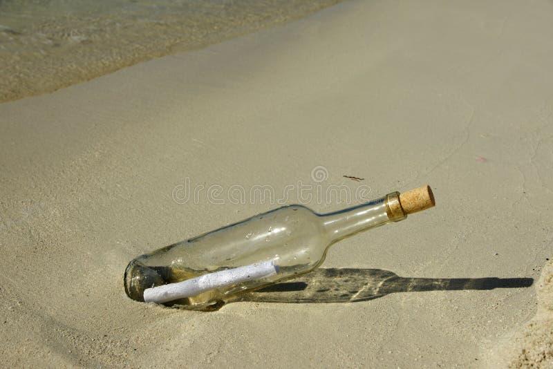 Message dans la bouteille photos libres de droits