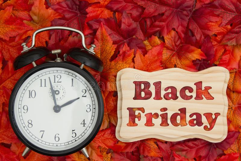 Message de vente de Black Friday avec l'horloge photo libre de droits
