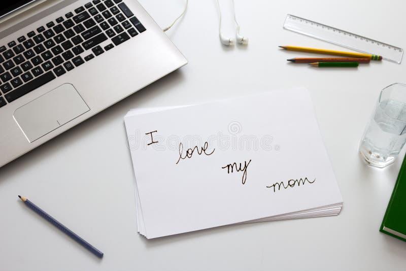 Message mignon le jour de mères images stock