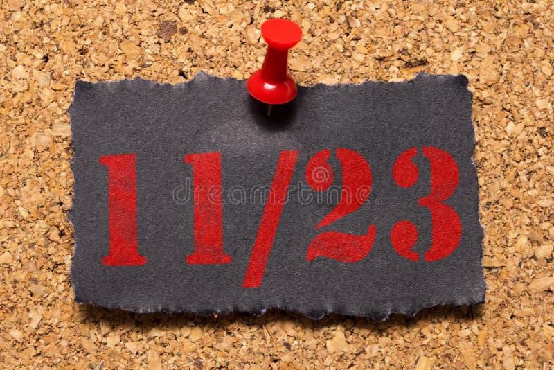Message mural Rappel de Black Friday Thumbtack rouge photos libres de droits