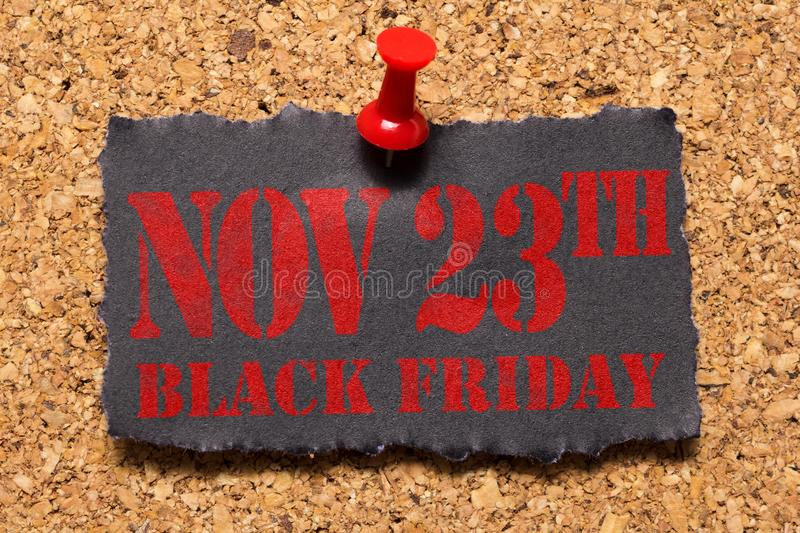 Message mural Rappel de Black Friday Thumbtack rouge photographie stock