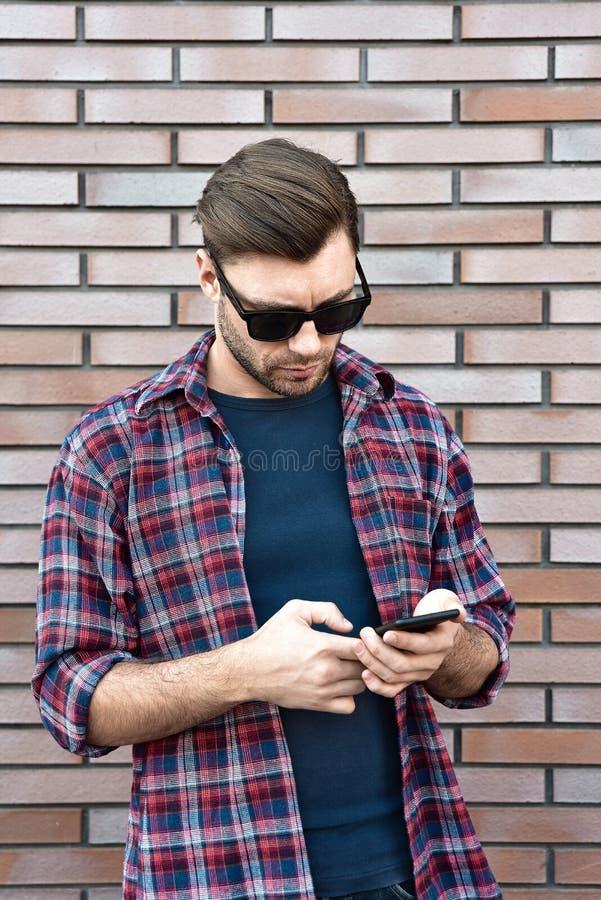 Message textuel de dactylographie E photos stock