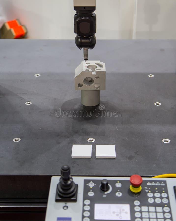 Messen CNC CMM Roboter stockfotos