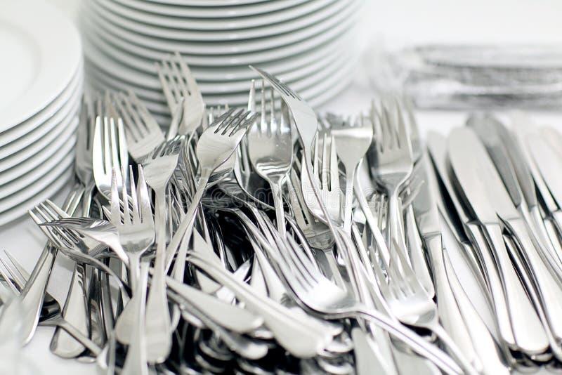 Messer und Gabeln, Tonwarenrestaurant lizenzfreie stockfotos