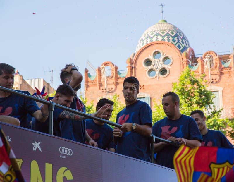 Messi Pique och Suarez Barça tredubblar beröm royaltyfri fotografi