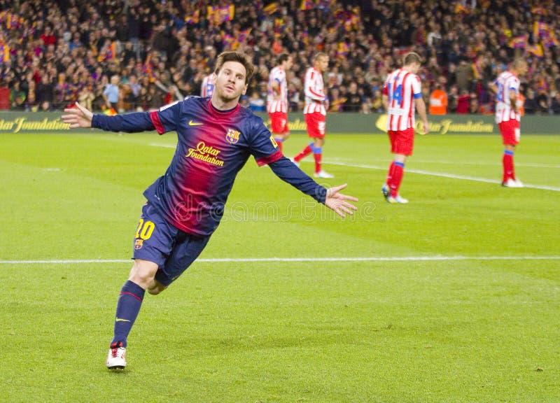 Messi som firar ett mål arkivbilder
