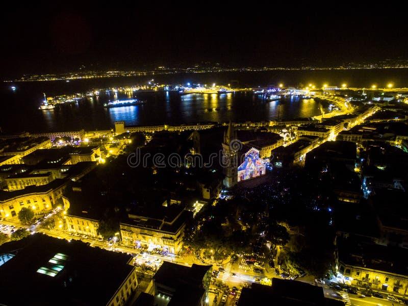 Messina bij nacht royalty-vrije stock afbeeldingen