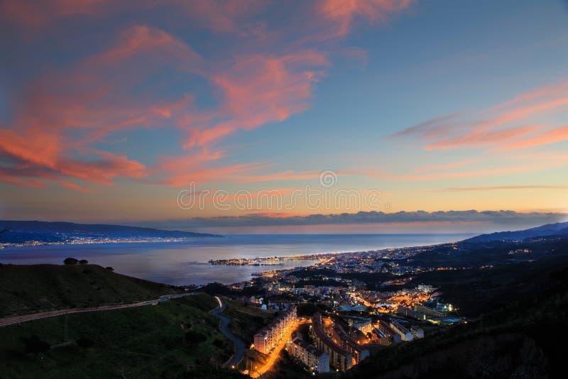 Messina bij zonsondergang royalty-vrije stock fotografie