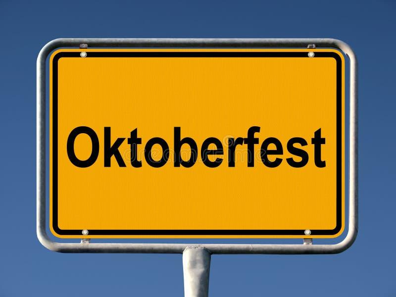 mest oktoberfest teckengata royaltyfria foton