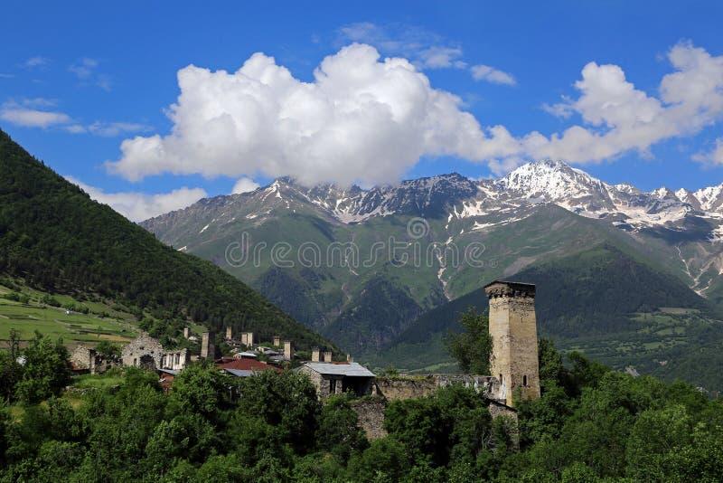 Mestia的Svan塔的看法 免版税库存照片