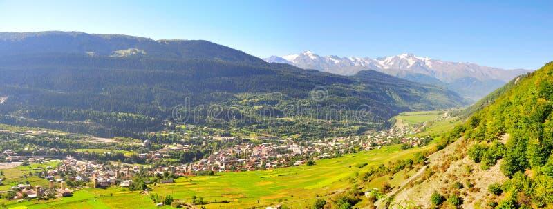 Mestia panorama, Svaneti Georgia royaltyfri foto
