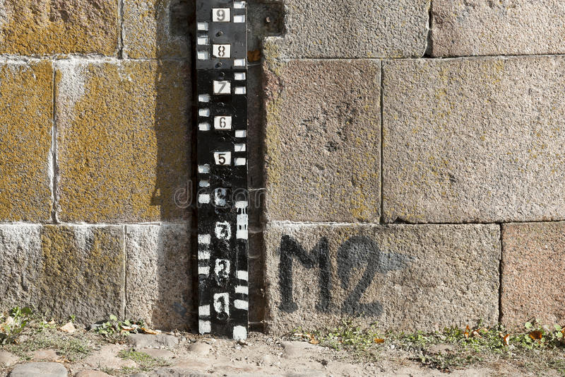 Mesure de mesure de niveau d'eau photographie stock