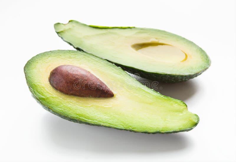Metà dell'avocado maturo fotografia stock libera da diritti