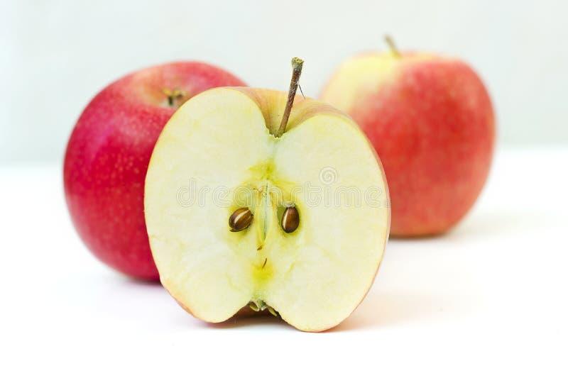 Metà della mela fotografia stock libera da diritti