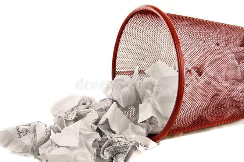 Metà dello scomparto di rifiuti riempita fotografia stock libera da diritti